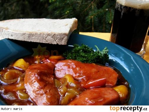 Špekáčiky na čiernom pive a zelenine