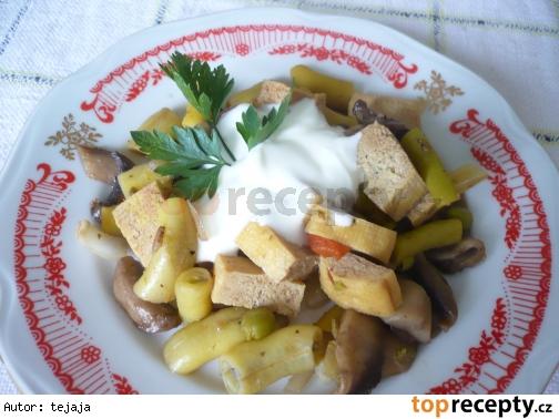 Tofu s fazuľkou a šampiňónmi