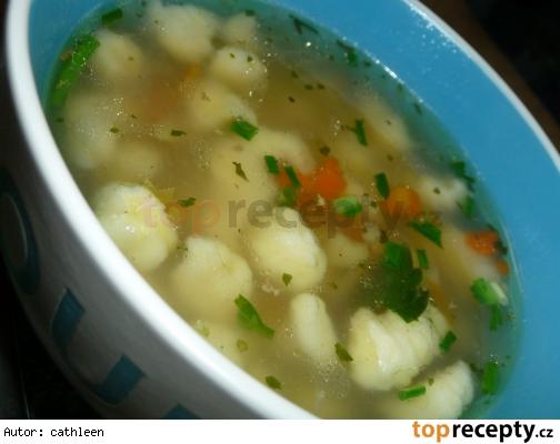 Vaječné haluštičky, zavarené do polievky - kapání (vložka do polévky)