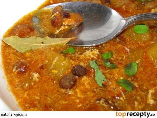Zimná polievka s nakladanými kuriatkami