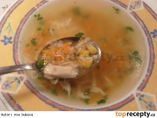 Kuracia  polievka s kukuricou a nivou