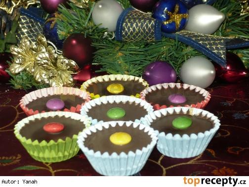 Čokoládové košíčky s orechovo-kávovou plnkou