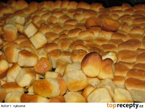 opekance - pečenie, cesto zarábane v domácej pekárni