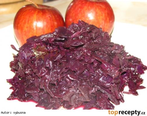 Bavorská dusená červená kapusta k pečenému mäsu