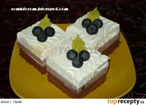 Čučoriedkové kocky s tvarohovým krémom