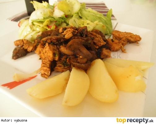 Diétne morčacie soté so zemiakom a   šalátom