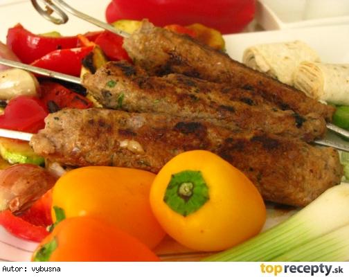 Kebab z mletého mäsa na špíze