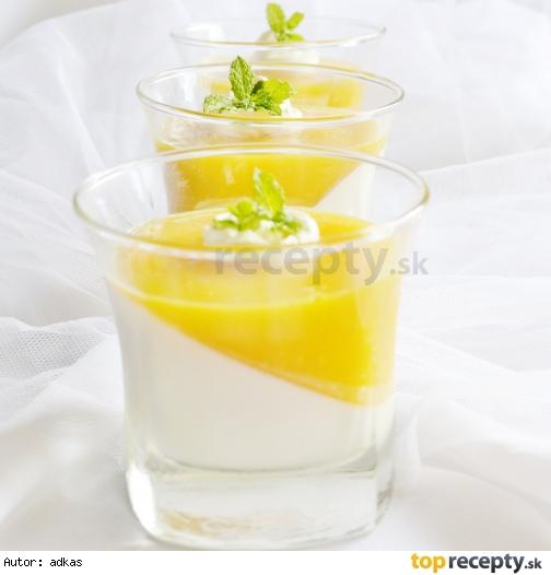 Kokosová panna cotta s mangovym želé