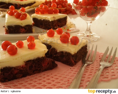 Ríbezľový koláč s krémom