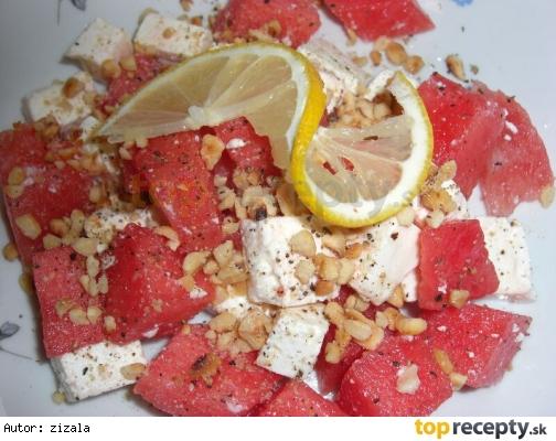Šalát z melóna, syra feta a orieškov