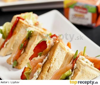 Sendviče s lososom a bryndzou s údenou chuťou