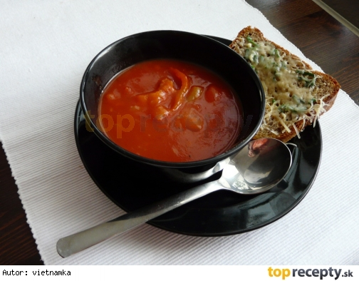 Výdatná paradajková polievka