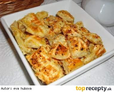 Syrové chuťovky z lístkového cesta /Čtverečky z listového těsta se sýrem