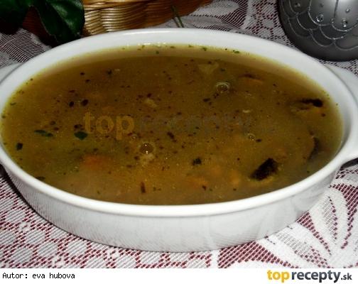 Hubová polievka s pohánkou /Houbová polévka s pohankou