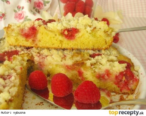 Jemný rebarborový koláč s posýpkou