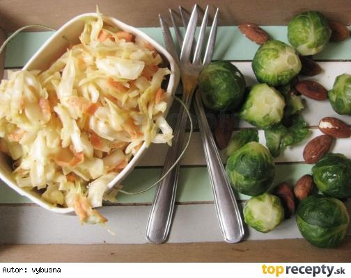 Kapustový šalát Coleslaw s horčicovým dresingom