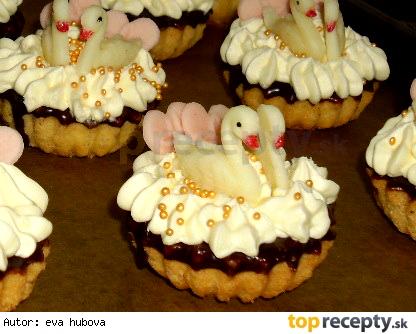Košíčky s labutěmi