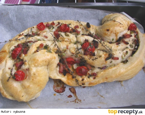 Plnený chlebový koláč