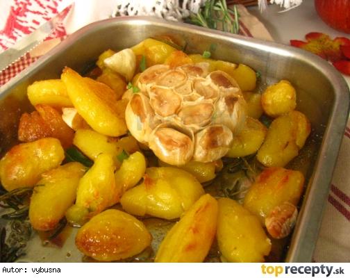 Rozmarínové pečené zemiaky s octom a cesnakom