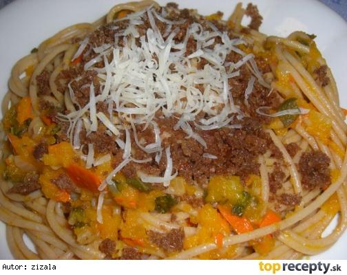 Špagety s dyňou a opraženým chlebom